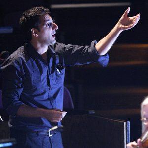 Hooshyar Khayam conducting - 30M Records